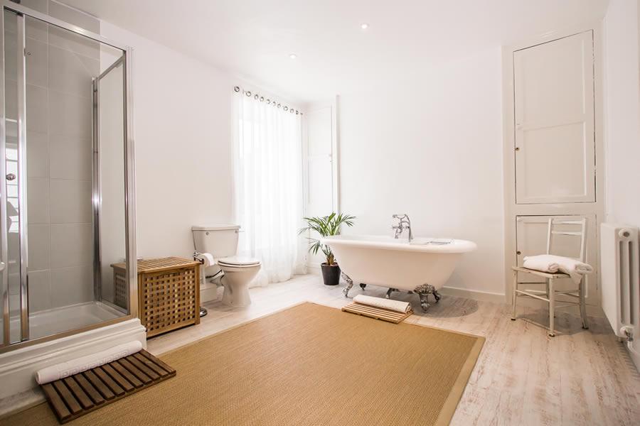 Bathroom facilities both a bath and a shower | Blue Monkey Cornwall
